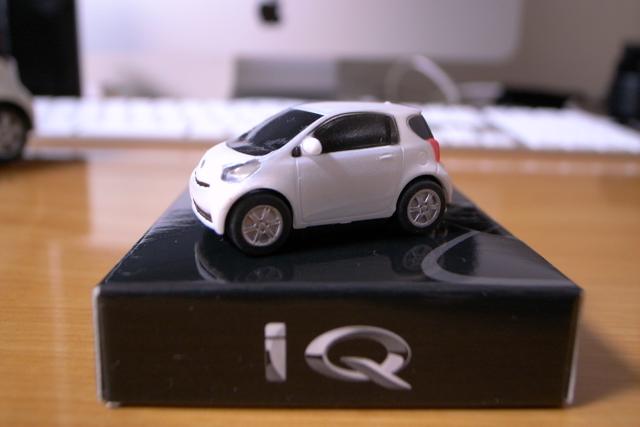 iQの携帯ストラップの写真